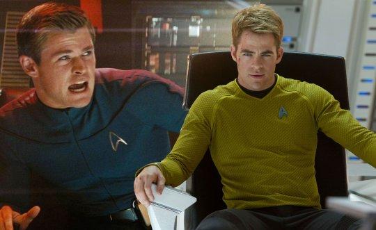 「艦長」克里斯潘恩 (Chris Pine) 以及克里斯漢斯沃(Chris Hemsworth) 。