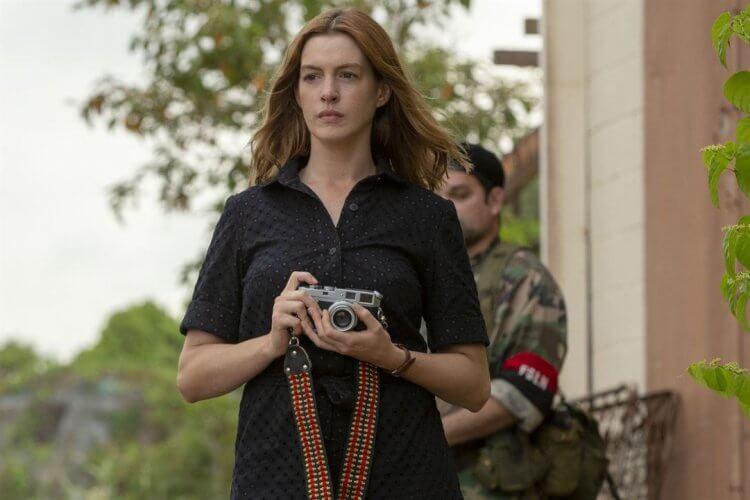 Netflix 原創電影《他的最後願望》裡出演的安海瑟薇,與威廉達佛、班艾佛列克共演,可惜未獲得好評價。