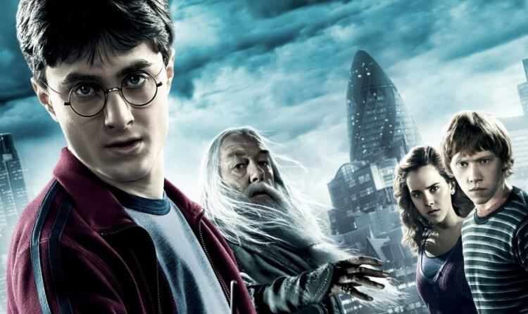 《哈利波特》。