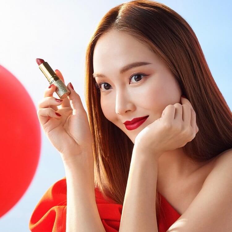 Jessica擔任露華濃全球品牌大使