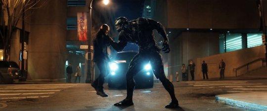 《猛毒》(Venom) 首集並沒有與蜘蛛人相關的劇情