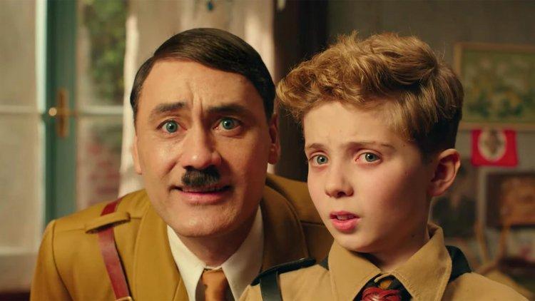 塔伊加維迪提《兔嘲男孩》中將喜劇與批判元素結合,進而呈現出納粹可笑的一面。