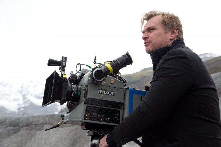 克里斯多福諾蘭 (Christopher Nolan) 因 新冠肺炎 (COVID-19) 疫情影響電影業有感而發,趁機分享他對電影院的愛。