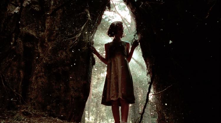 《水底情深》導演吉勒摩戴托羅經典電影《羊男的迷宮》全新數位修復版登上大銀幕,魔幻重映!首圖