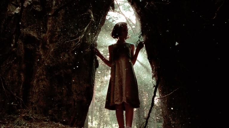《水底情深》導演吉勒摩戴托羅經典電影《羊男的迷宮》全新數位修復版登上大銀幕,魔幻重映!