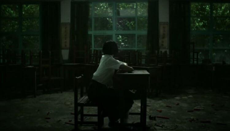 改編自同名遊戲的驚悚電影《返校》(Detention) 劇照,女主角方芮欣由王淨飾演。