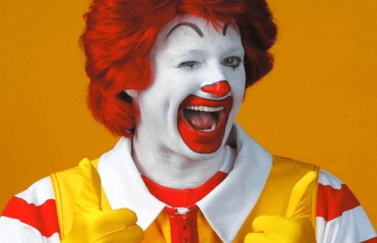 《蝙蝠俠大顯神威》讓這位「小丑」不開心了:麥當勞叔叔。
