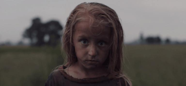 《成人世界》導演尼爾布洛姆坎普的「異形」夢。