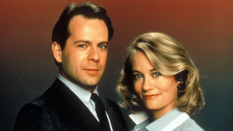 當年由布魯斯威利與西碧兒雪佛主演的影集《雙面嬌娃》。