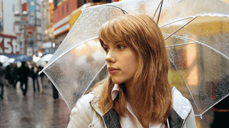 2003 年的《愛情不用翻譯》讓史嘉蕾喬韓森年紀輕輕便摘下英國電影學院獎「最佳女主角」獎。