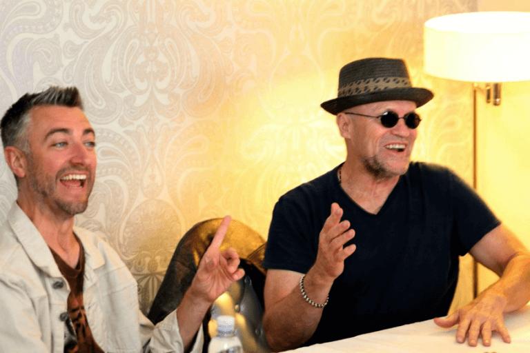 麥克魯克 (Michael Rooker) 與西恩岡恩 (Sean Gunn) 。