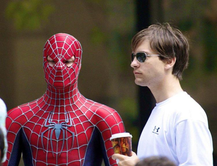 陶比麥奎爾 (Tobey Maguire) 在《蜘蛛人3》片場。