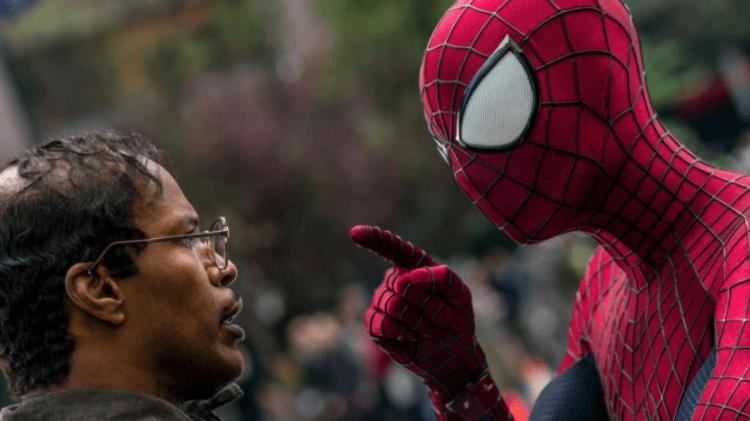 2014 年電影《蜘蛛人驚奇再起 2:電光之戰》傑米福克斯(左)與安德魯加菲爾德(右)。