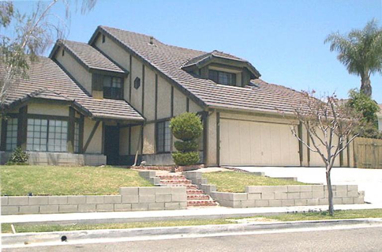 1982 年恐怖片 《鬼哭神號》中的新宅,其土地是早期印地安人的墳場。