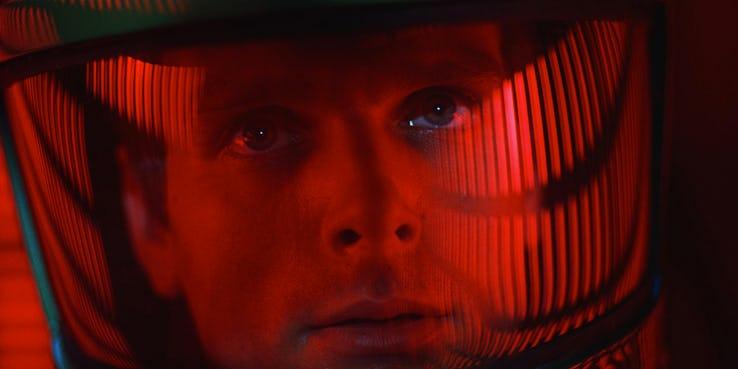 《玩具總動員 4》(Toy Story 4) 巴斯光年向《2001 太空漫遊》(2001: A Space Odyssey) 致敬