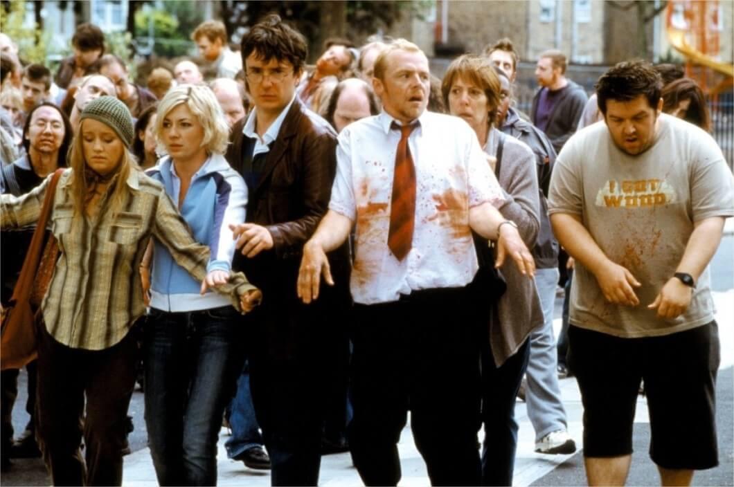 《 活人甡吃 》 Shaun of the Dead, 賽門佩格 在劇中小心翼翼的穿過充滿殭屍的街道
