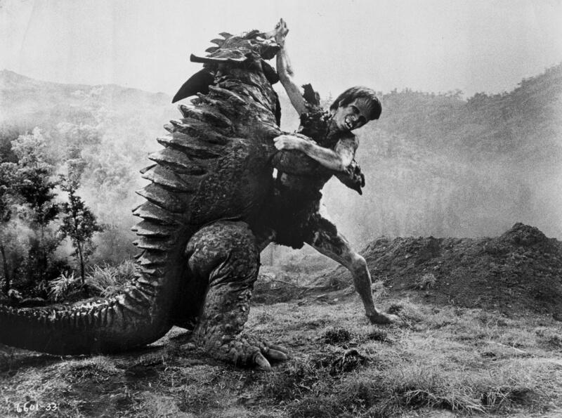 東寶特攝怪獸電影中,獨立於哥吉拉系列的經典:《科學怪人對地底怪獸》(フランケンシュタイン対地底怪獣)。