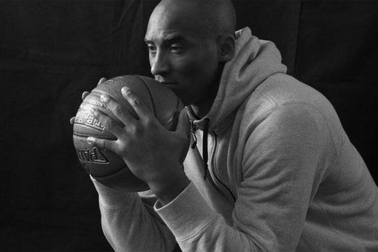 美國 NBA 球星 Kobe Bryant 因墜機意外逝世。