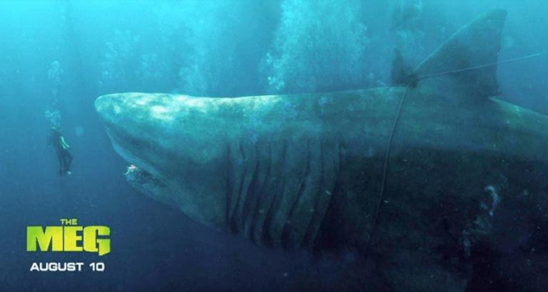 由傑森史塔森主演,The MEG《巨齒鯊》電影海報。