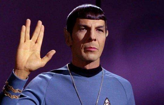 《星際爭霸戰》(Star Trek) 中的「瓦肯舉手禮」