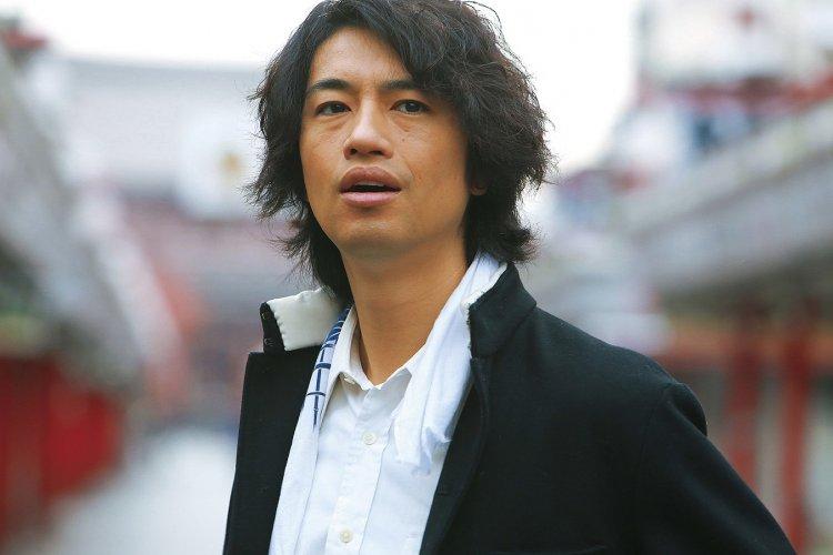 《麻雀放浪記 2020》齋藤工在劇中將以麻將遊戲展開一場又一場的生死決鬥。