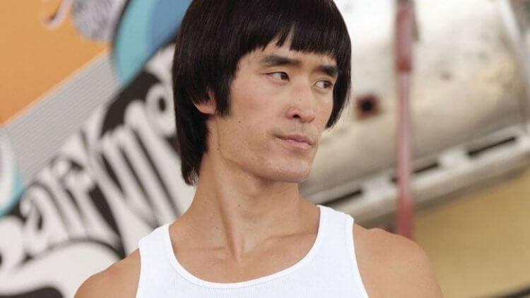 《從前,有個好萊塢》中對李小龍是自大狂的描寫引發爭議,昆汀塔倫提諾回應:「不相干的人,去吃X吧。」