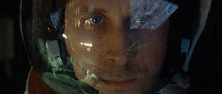 改編 阿姆斯壯 人生傳記, 雷恩葛斯林 《 登月先鋒 》 劇照 。