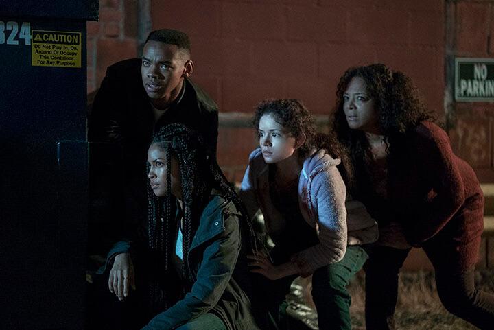 《 殺戮元年 》由 瑪麗莎托梅 伊蘭諾埃爾 蕾克絲史考特戴維斯 喬伊萬韋德 等影星共同演出。