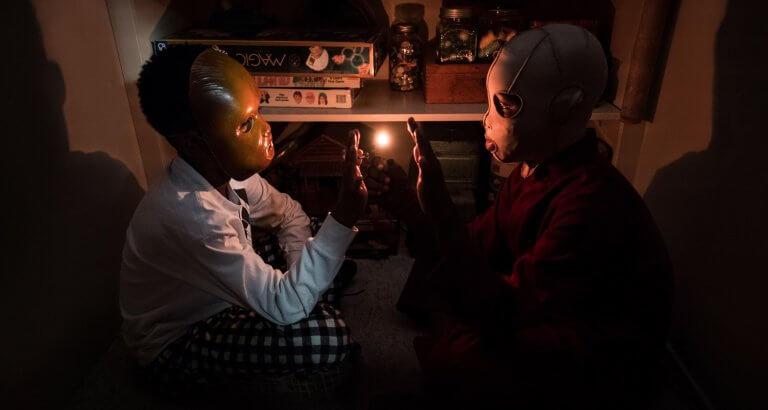 以「分身靈」傳說發展出來的驚悚電影《我們》(us)。