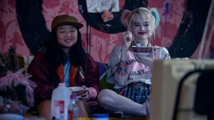 《猛禽小隊:小丑女大解放》飾演哈利奎茵的瑪格羅比,以及艾拉傑伊巴斯科飾演的卡珊卓拉該隱。