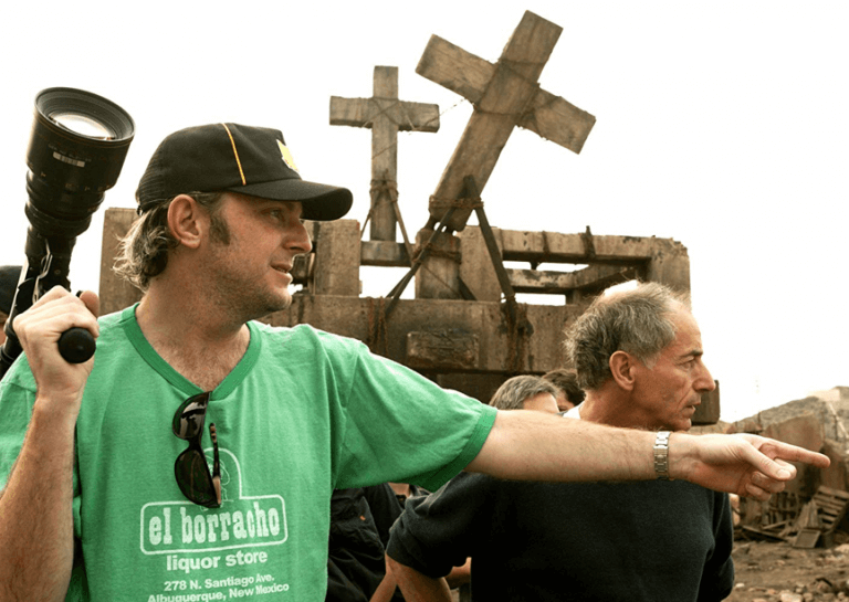 拍攝《驅魔神探:康斯坦汀》的導演勞倫斯與攝影師羅斯洛。