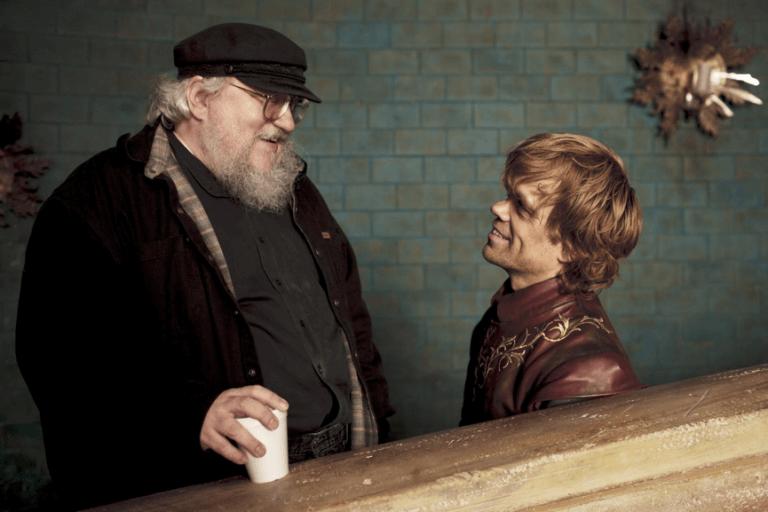 《權力遊戲》(Game of Thrones) 大神馬克與演員彼德汀克萊傑合影。