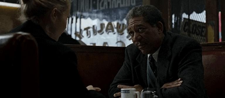 摩根費里曼 (Morgan Freeman) 。