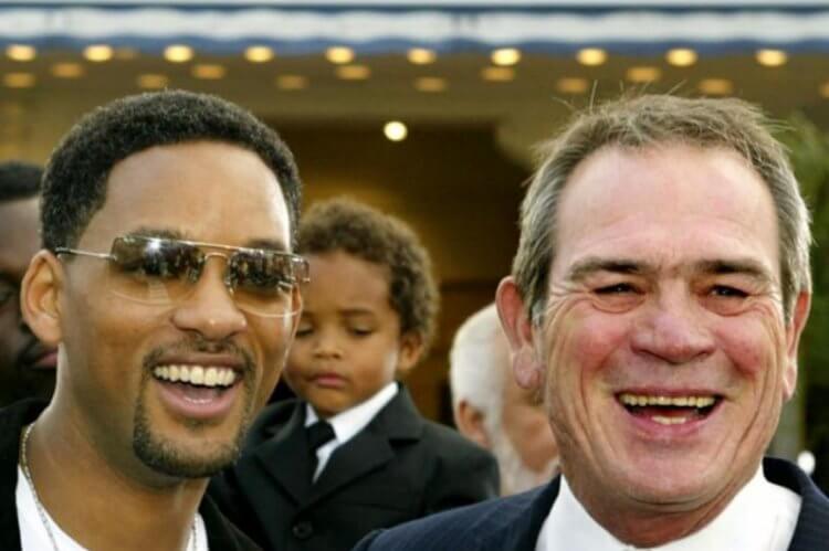 威爾史密斯 (Will Smith) 和湯米李瓊斯 (Tommy Lee Jones)。