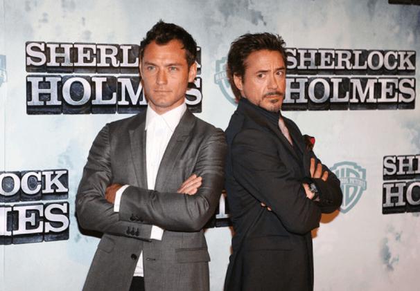 《福爾摩斯》(Sherlock Holmes) 由小勞勃道尼 (Robert Downey Jr.) 以及裘德洛 (Jude Law) 主演。
