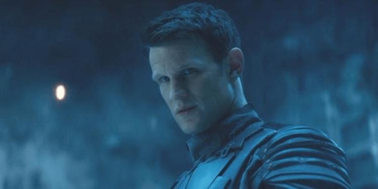 2015 年電影《魔鬼終結者:創世契機》中被傳送回到過去的 T-5000(麥特史密斯 飾)是人類型態的天網。