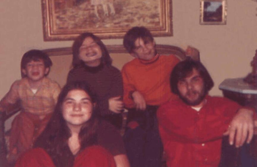 阿米提維爾鬼屋 原本應該是和樂的一家人:小羅納德狄法歐(右下)與他的四個弟弟妹妹