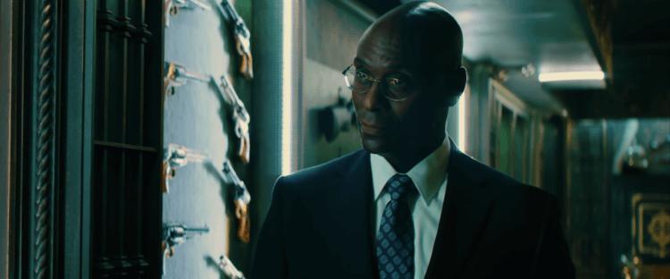 蘭斯瑞迪克在《捍衛任務》飾演大陸飯店的接待員 Charon。