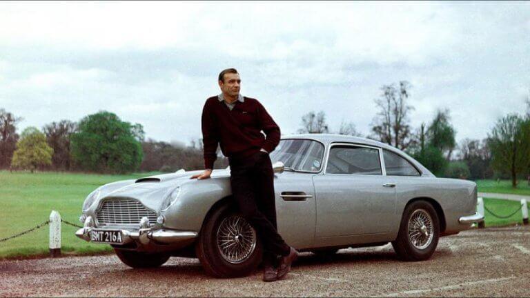 007 史恩康納萊 (Sean Connery)。