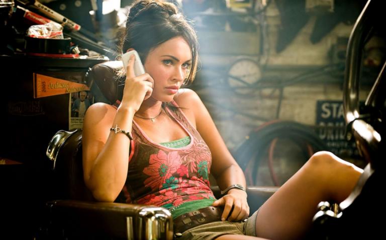 2009 年《變形金剛:復仇之戰》中依舊是由青春火辣的梅根福克斯飾演女主角,但......
