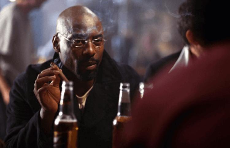 2002 年的恐怖電影《嚇破膽》,黑人角色的戲份果然無法撐到片尾。