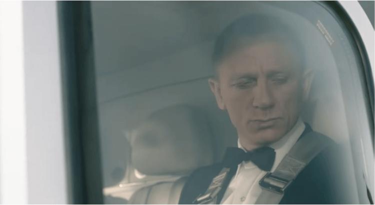 丹尼爾克雷格 (Daniel Craig) 以 007 詹姆士龐德身分參演 2012 倫敦奧運開幕式影片,展現身為演員搞笑的一面。