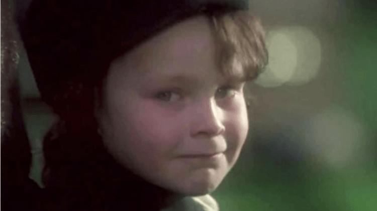 《天魔》劇情中看似天真無邪的小男孩卻是惡魔的化身。
