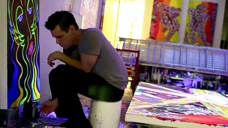 金凱瑞近年淡出影壇,從事繪畫創作。