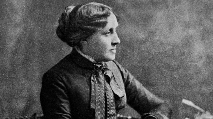 1869 年小說《 木乃伊詛咒 》作者 : 露意莎奧爾柯特 。