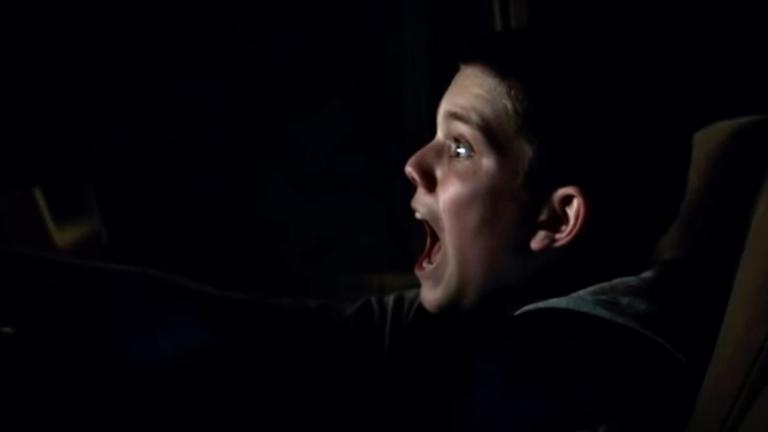 《月光光新慌慌》麥克第一個下手的是個小男孩。