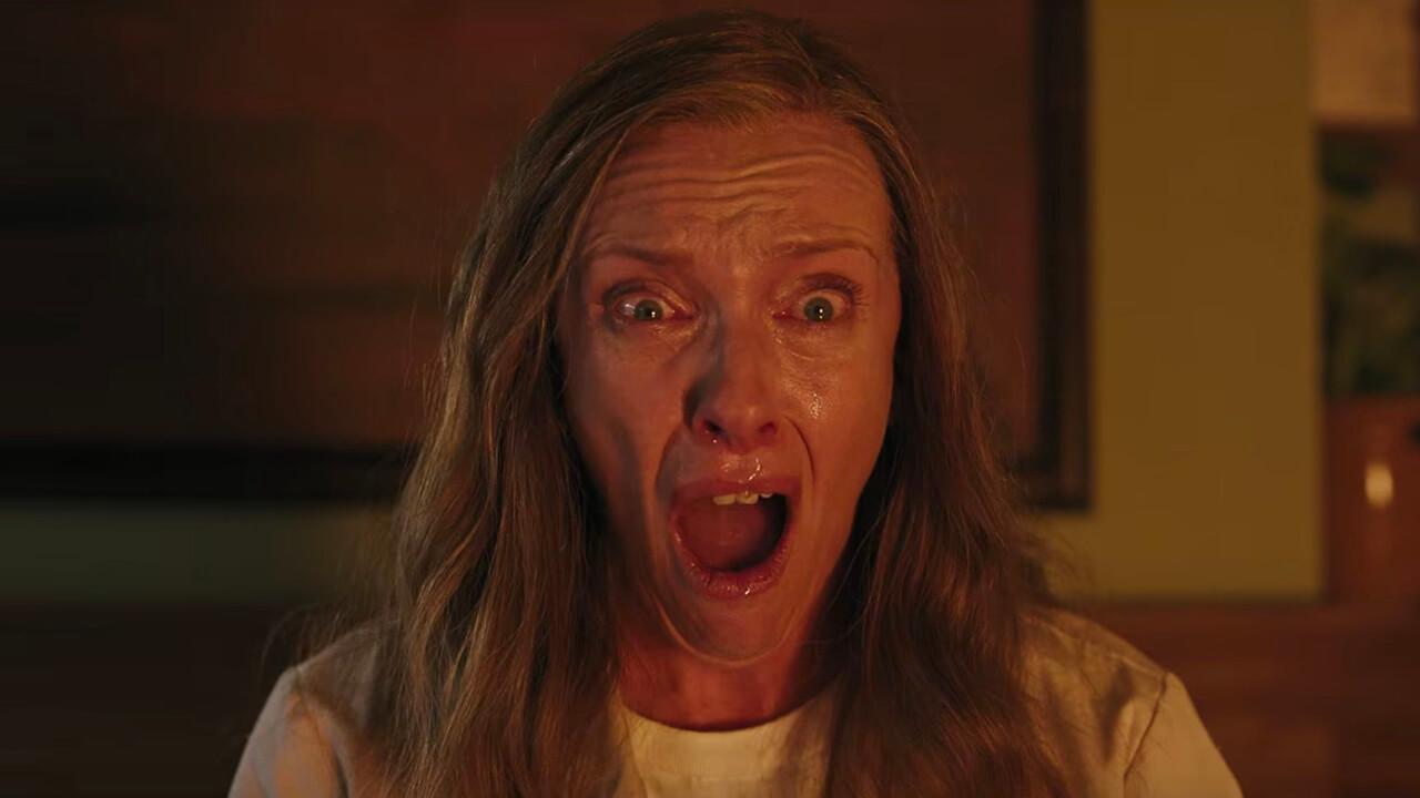 怎麼回事?最怕恐怖片的東妮克莉蒂,卻在史上最恐怖電影《宿怨》裡演出?首圖