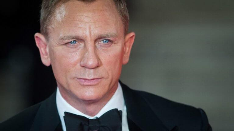 龐德丹尼爾克雷格 (Daniel Craig) 。