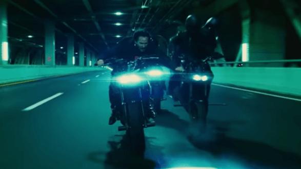 《捍衛任務 3:全面開戰》電影劇照,跨著重機狂飆的基努李維是來真的!