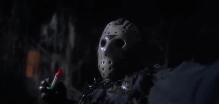 《13 號星期五》面具傑森魔殺人無數,包括喇叭殺掉一位黑人姊妹。